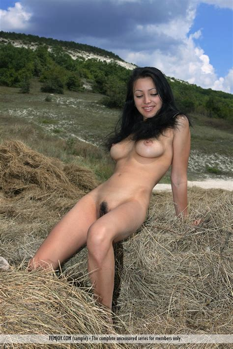 Naked hot girl farm pictures jpg 800x1200