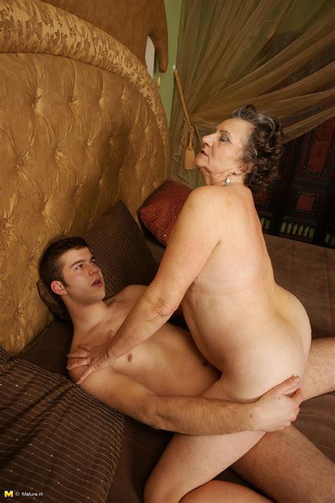 Transsexual dating tv ts escorts tranny escort jpg 1260x1890