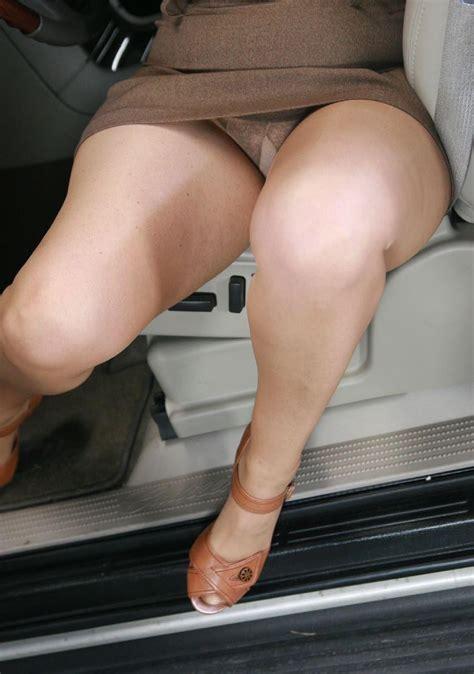 Skirt voyeur jpg 854x1215